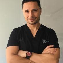 Profesional Médico Alberto Salgado Velazquez