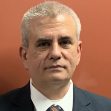 Profesional Médico Leopoldo Manuel Lage Canedo